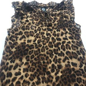 Really pretty cheetah print blouse